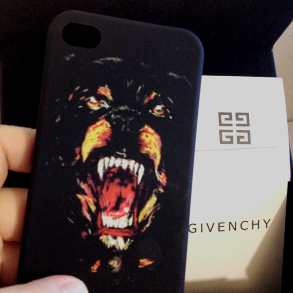 Givenchy Second Kulture Page 20