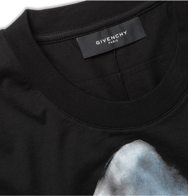 7d772904e3f14 As for the Givenchy Shark-Print t-shirt version, the smallest size  currently available on the entire Internet (presumed for now) is