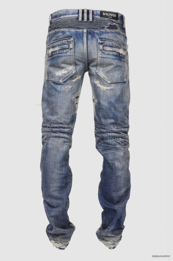 If you feel like most of your Balmain pieces survive wardrobe clean outs, it's probably because Creative Director Mr Olivier Rousteing prides himself on staying true to the brand's identity, never changing his designs based on the trends of the season. A pair that you'll wear for years, these jeans have been made in Japan from denim that's distressed for a lived-in look.