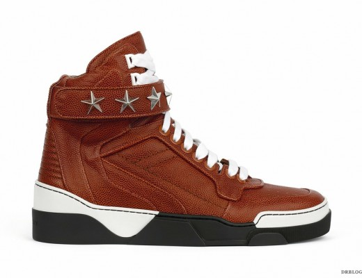 GIVENCHY_BROWN_STAR-STUDDED_DETAIL_TYSON_LEATHER_SNEAKER_Fall_Winter_2014
