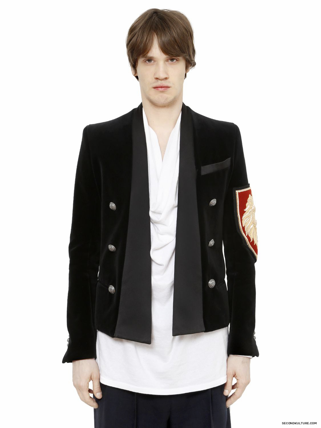 Balmain-Black-Lion-Crest-Embroidered-Velvet-Jacket-Fall-Winter-2015-1
