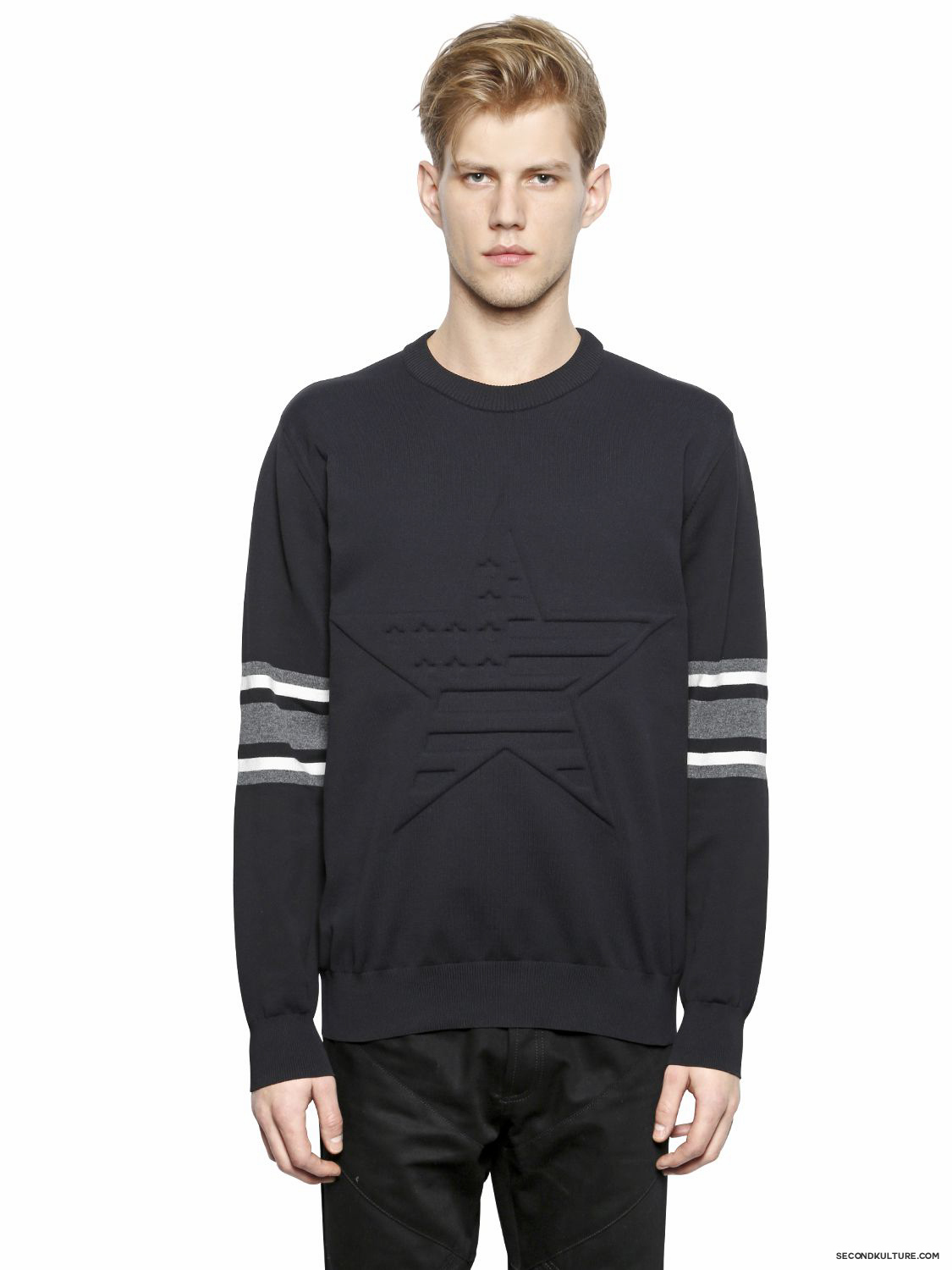 Givenchy-American-Flag-Star-Embossed-Striped-Sleeve-Print-Sweater-Fall-Winter-2015-1
