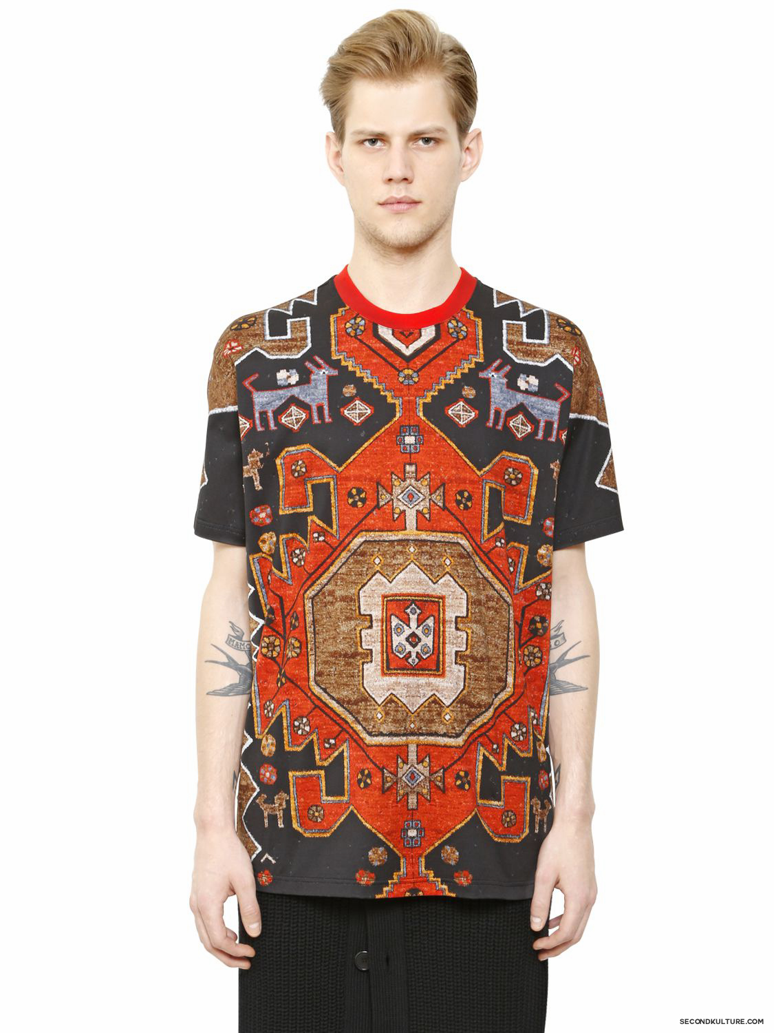 Givenchy-Native-American-Carpet-Print-Columbian-Fit-T-Shirt-Fall-Winter-2015-1