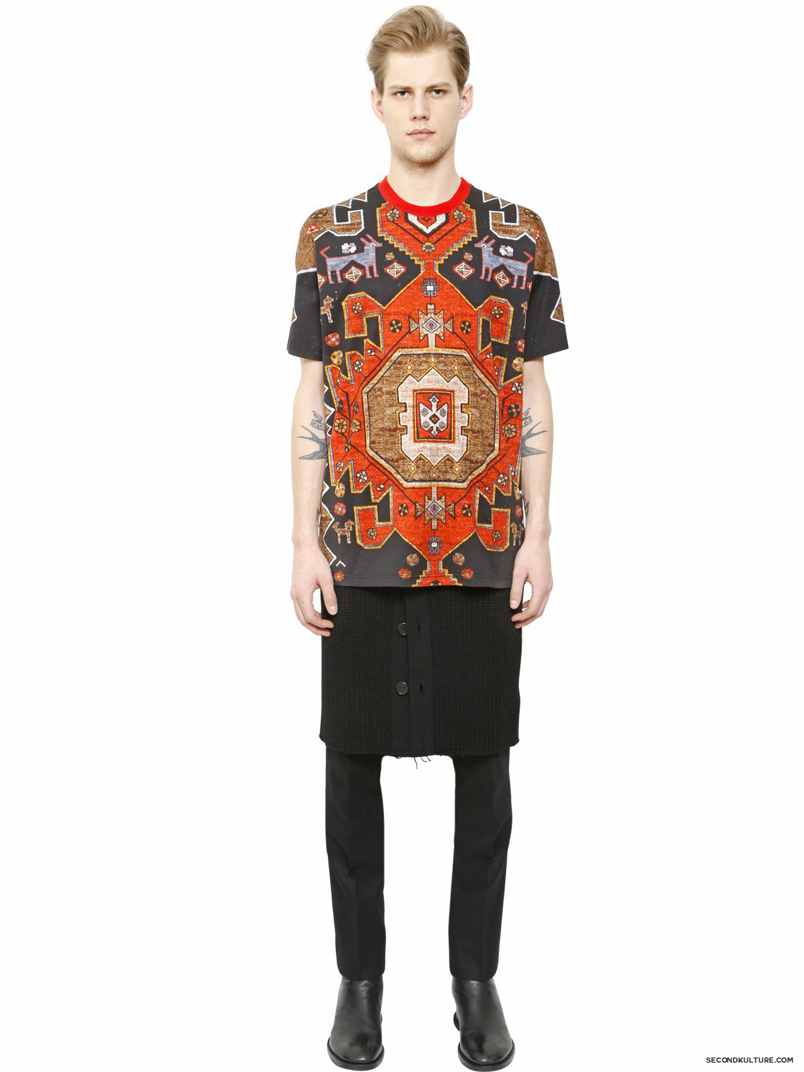 Givenchy-Native-American-Carpet-Print-Columbian-Fit-T-Shirt-Fall-Winter-2015-2