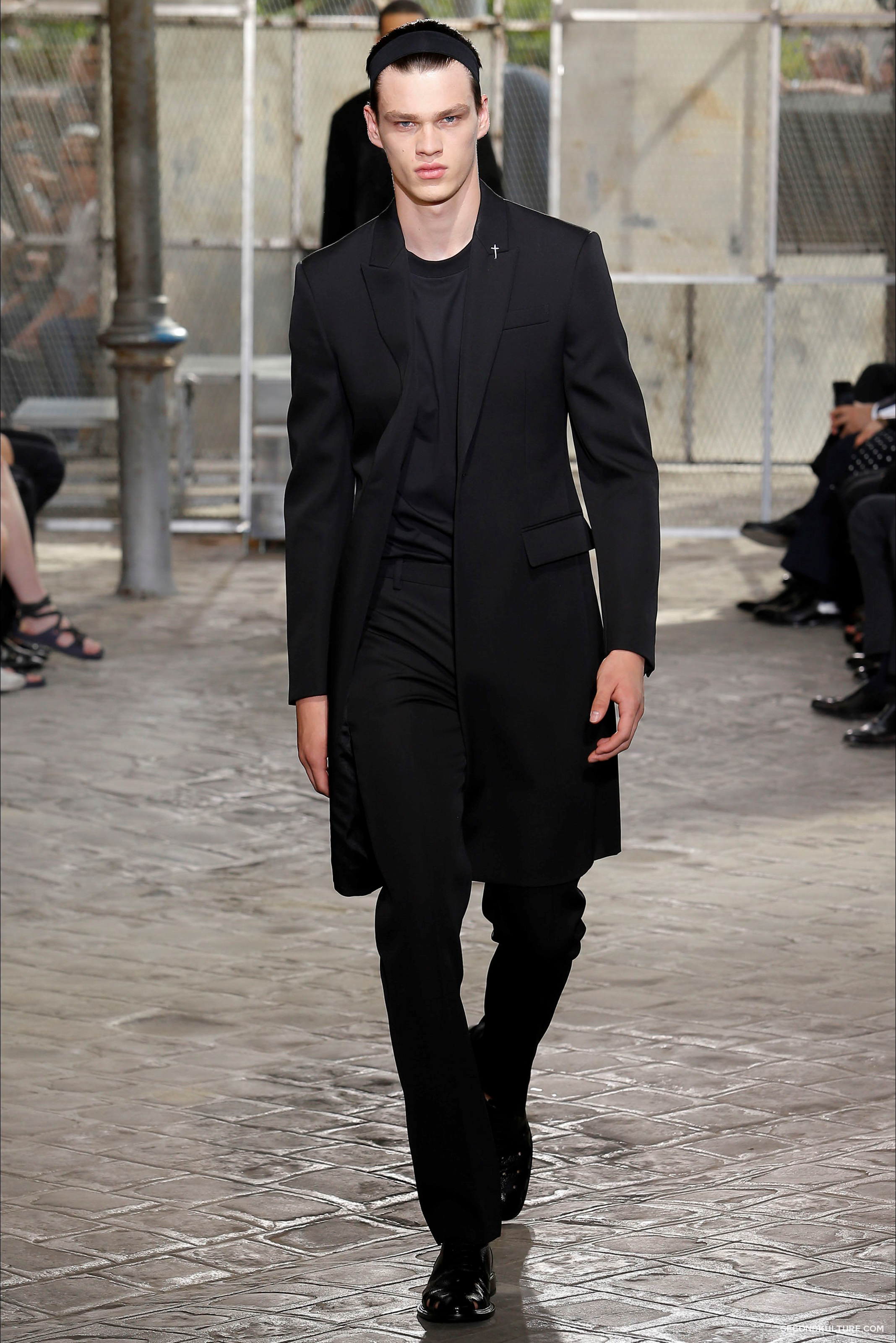Givenchy Spring Summer 2016 Menswear Jesus Religion Chain Runway Show Look 12