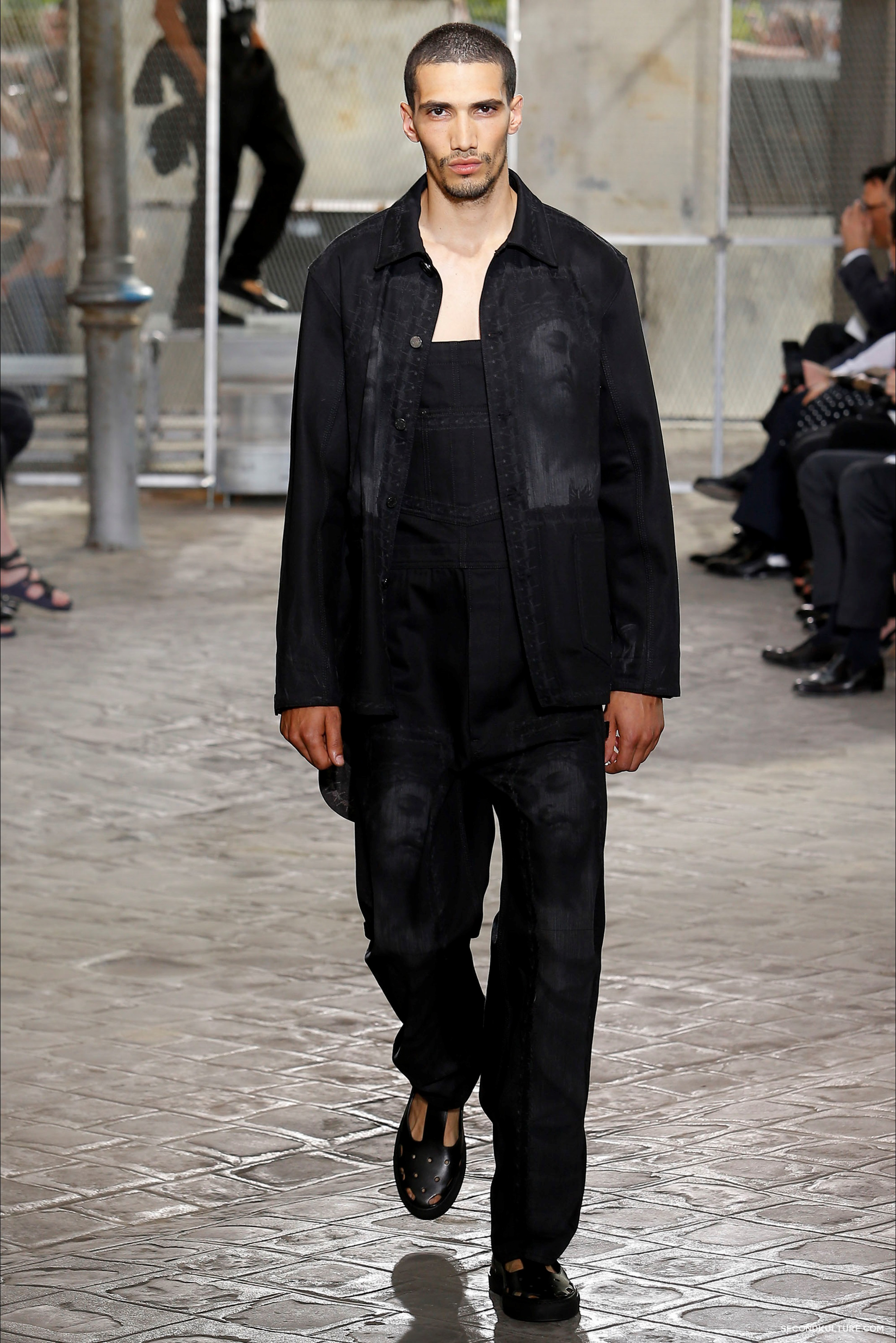 Givenchy Spring Summer 2016 Menswear Jesus Religion Chain Runway Show Look 13