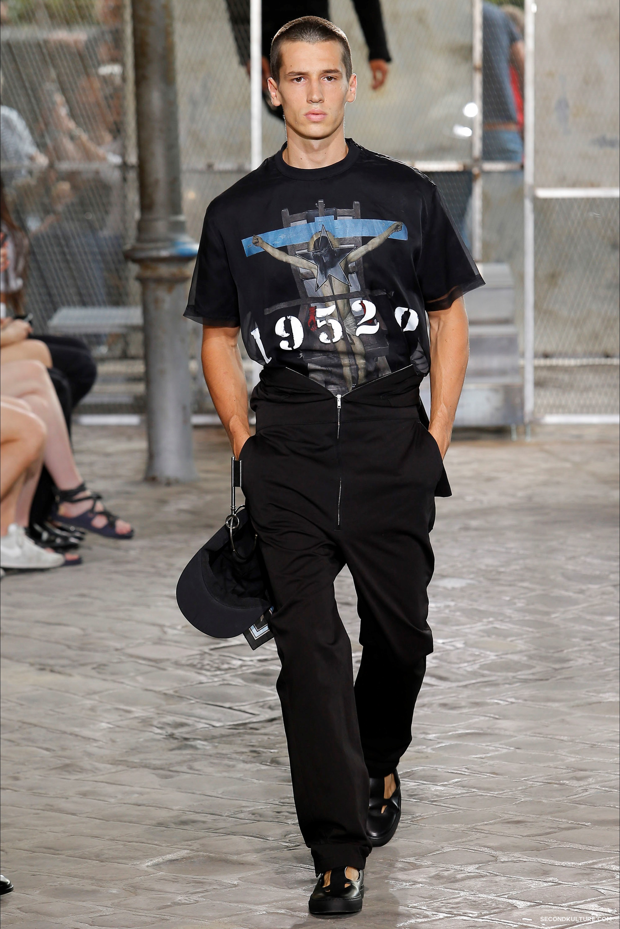 Givenchy Spring Summer 2016 Menswear Jesus Religion Chain Runway Show Look 14