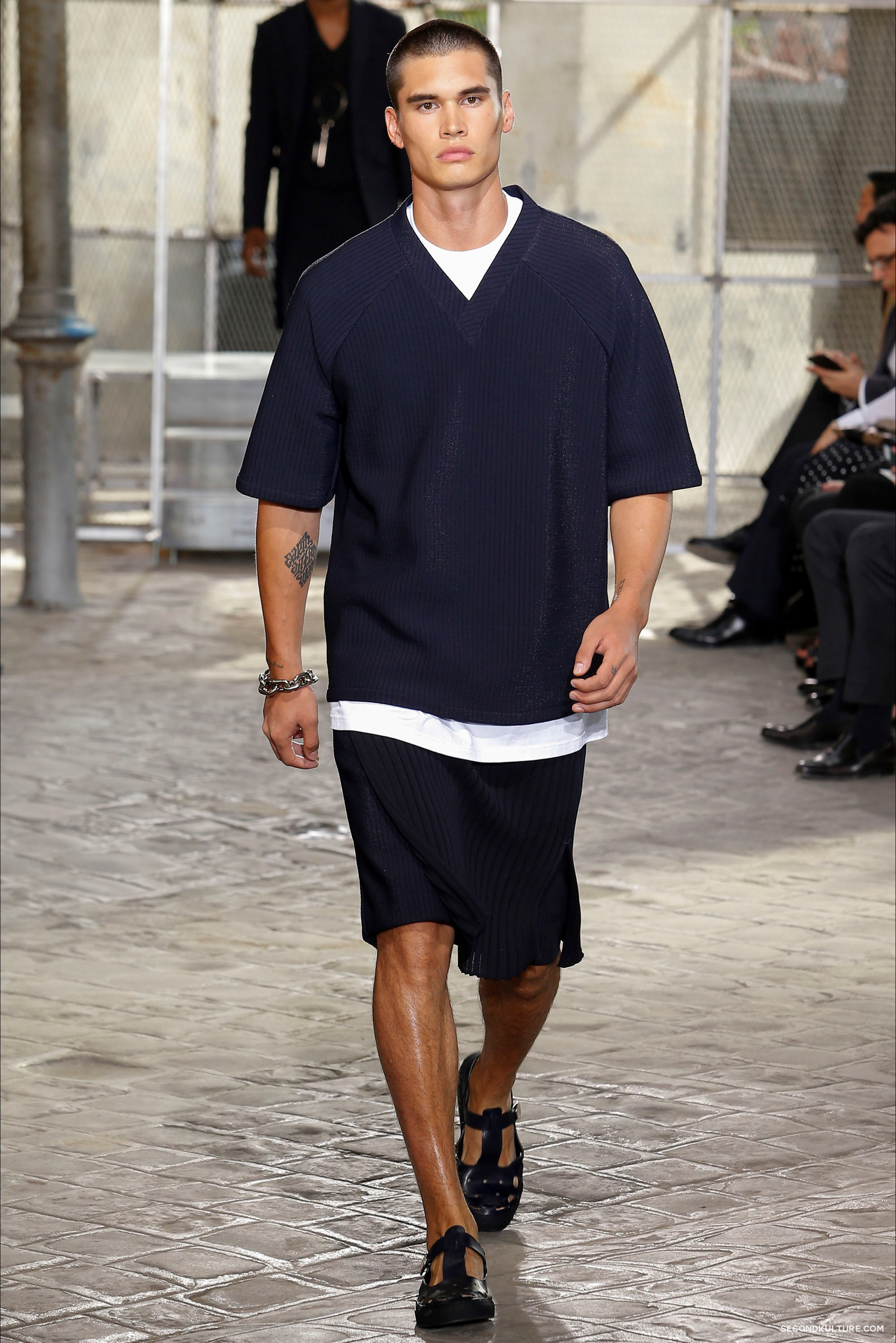 Givenchy Spring Summer 2016 Menswear Jesus Religion Chain Runway Show Look 2