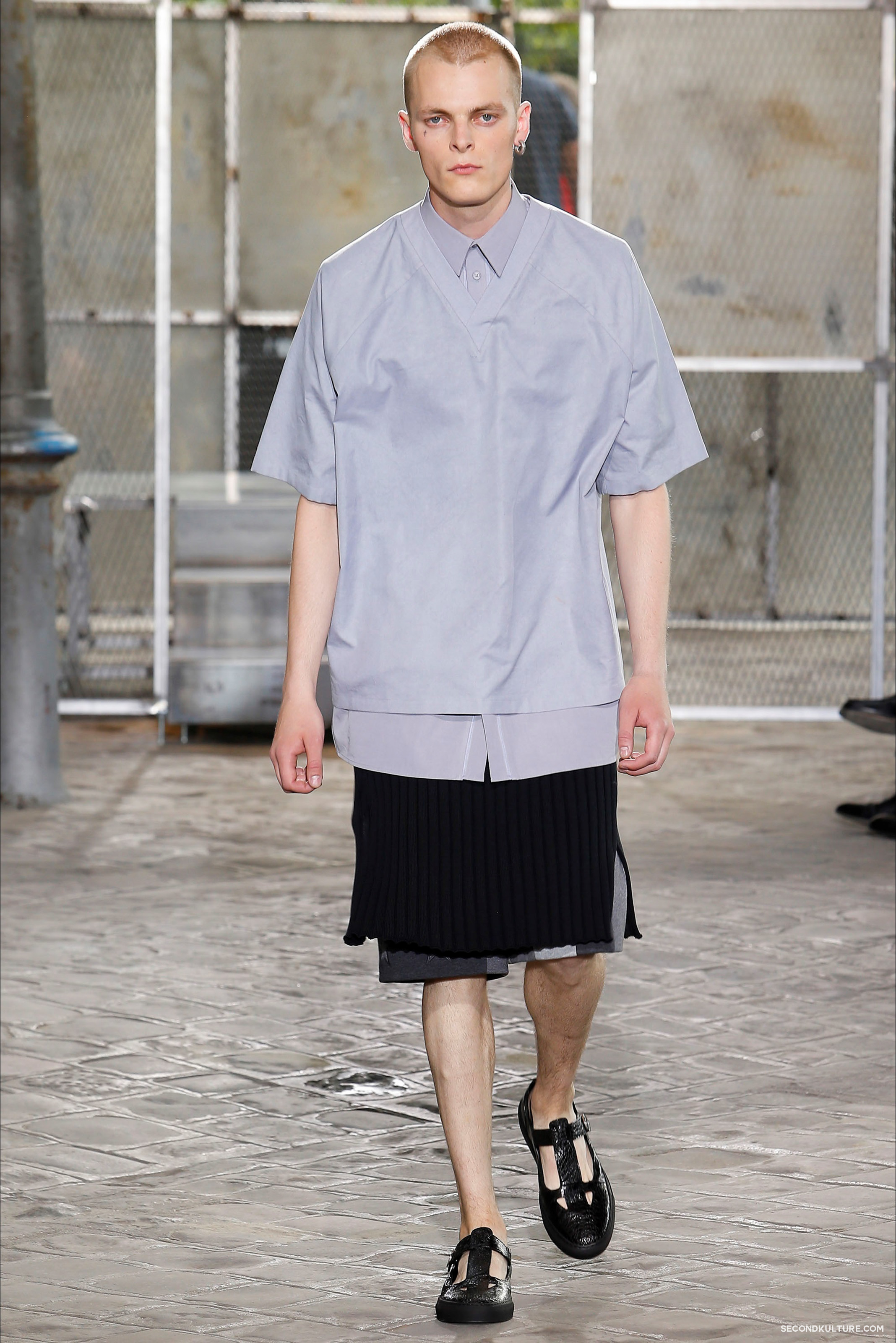 Givenchy Spring Summer 2016 Menswear Jesus Religion Chain Runway Show Look 22