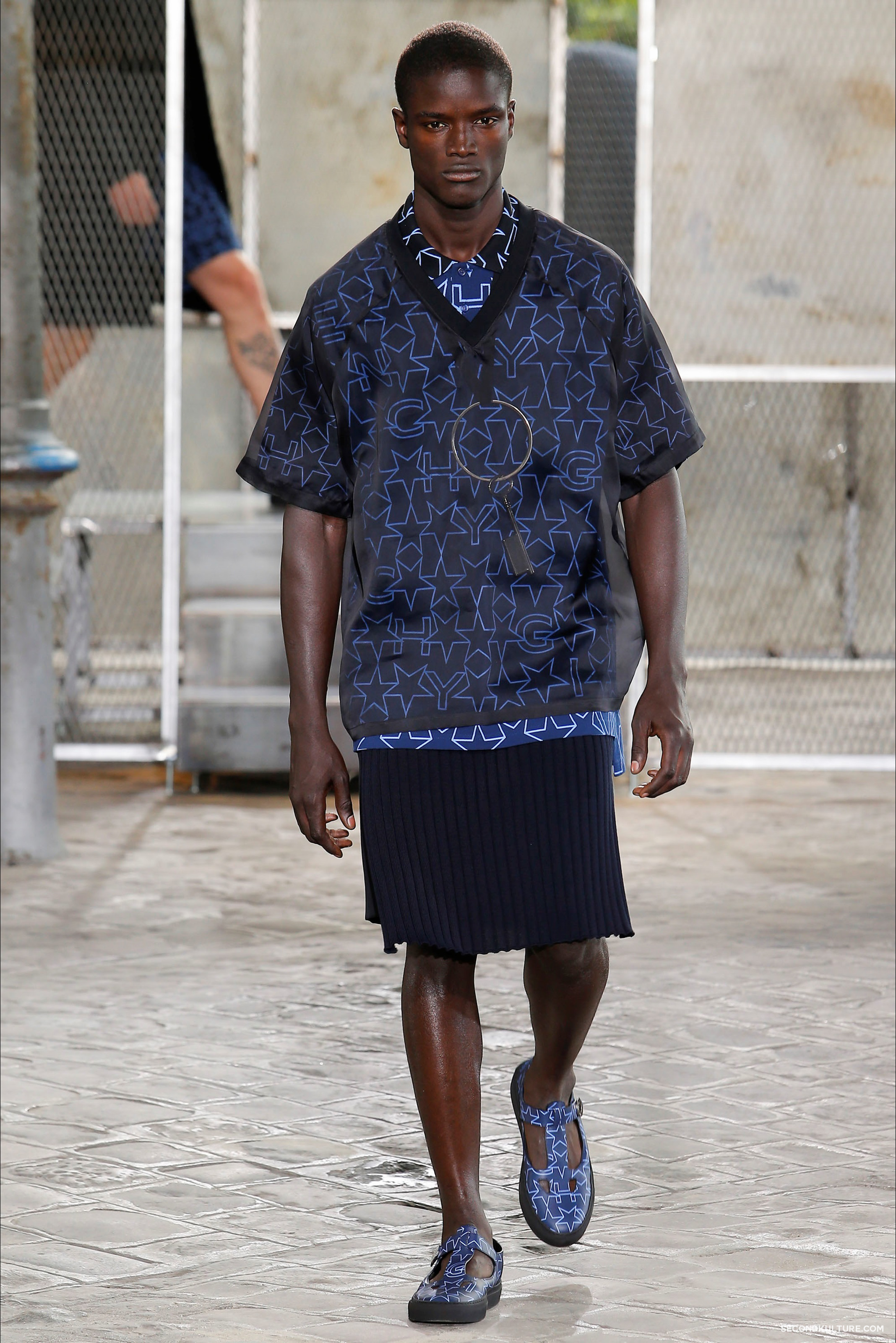Givenchy Spring Summer 2016 Menswear Jesus Religion Chain Runway Show Look 24