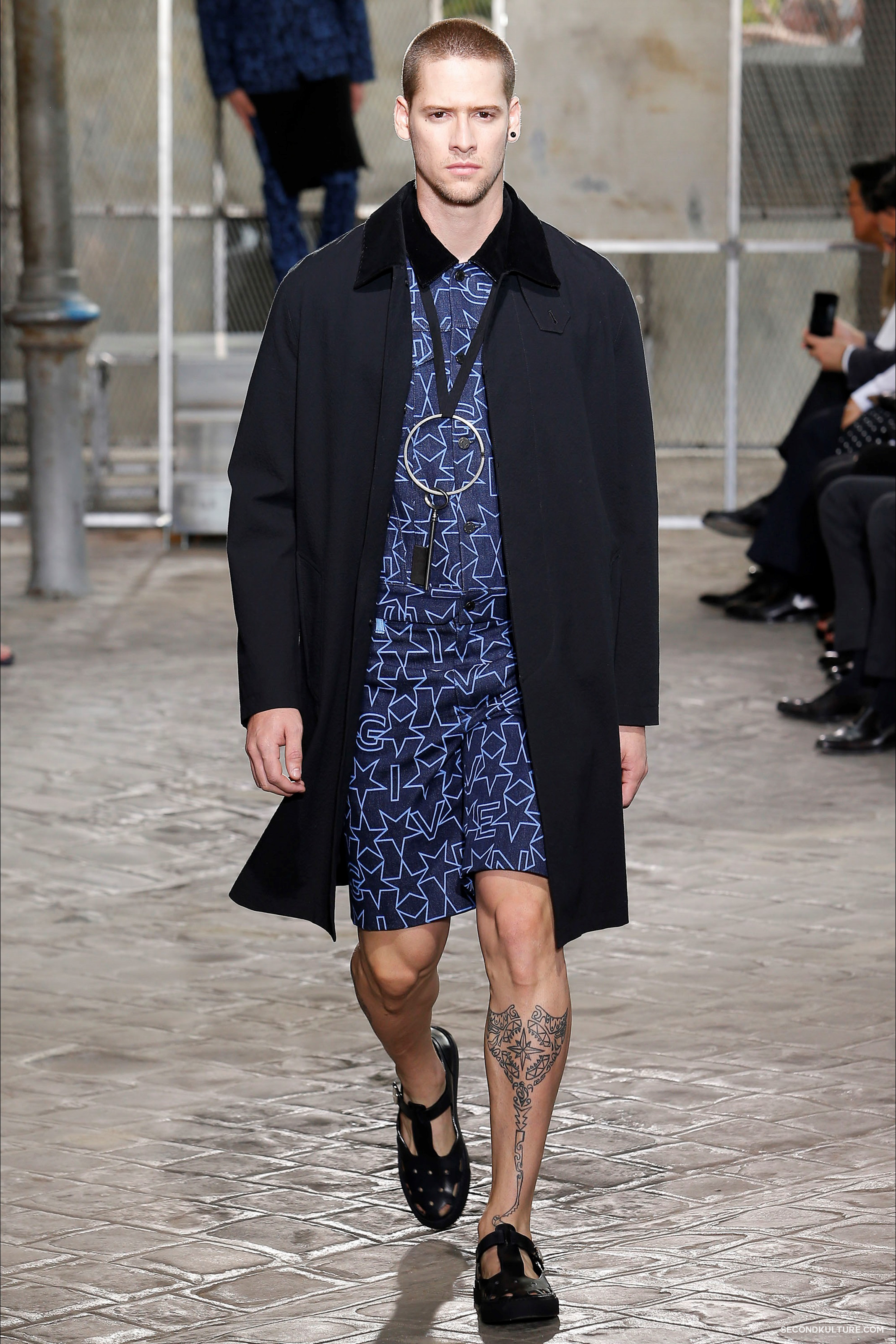 Givenchy Spring Summer 2016 Menswear Jesus Religion Chain Runway Show Look 25