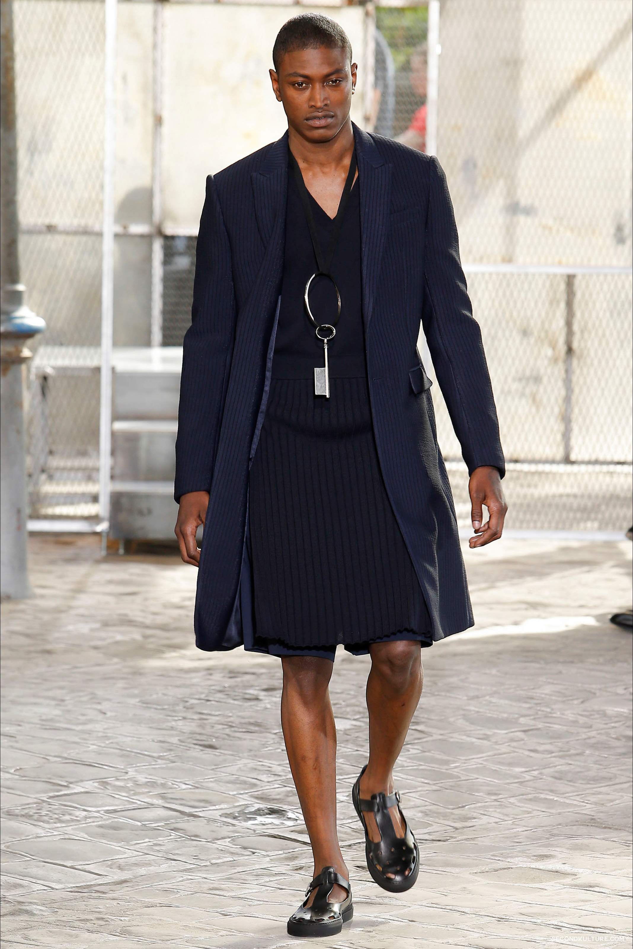 Givenchy Spring Summer 2016 Menswear Jesus Religion Chain Runway Show Look 3