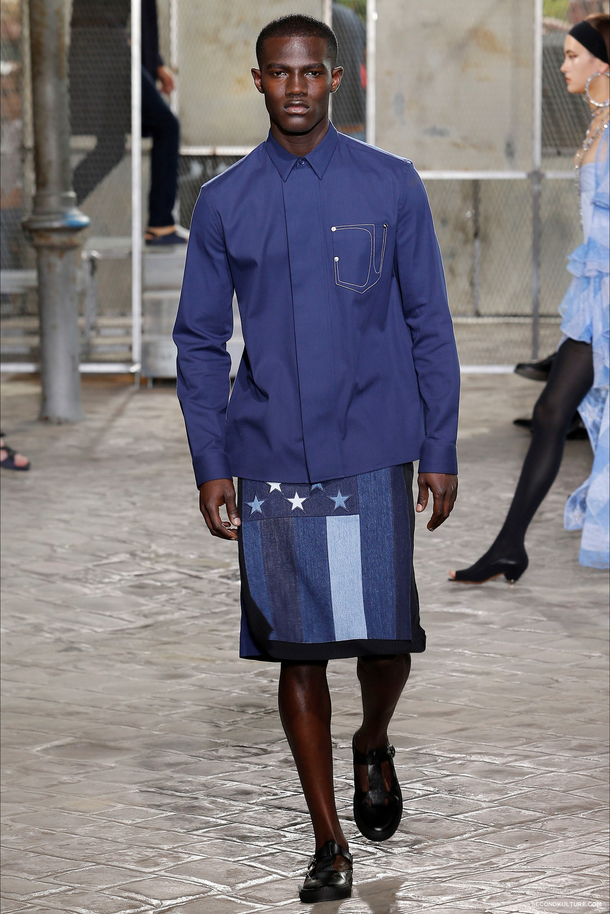Givenchy Spring Summer 2016 Menswear Jesus Religion Chain Runway Show Look 32
