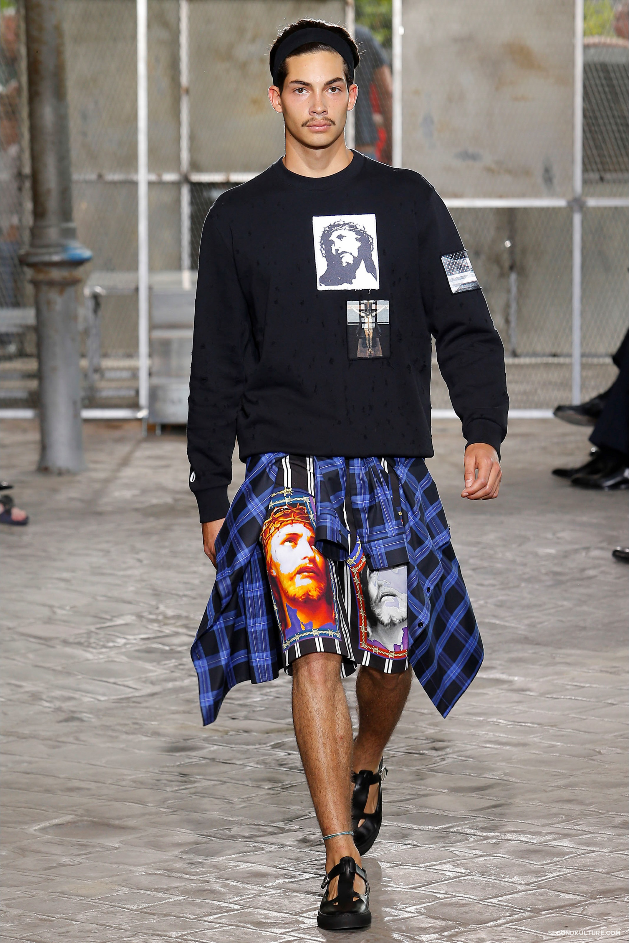 Givenchy Spring Summer 2016 Menswear Jesus Religion Chain Runway Show Look 42