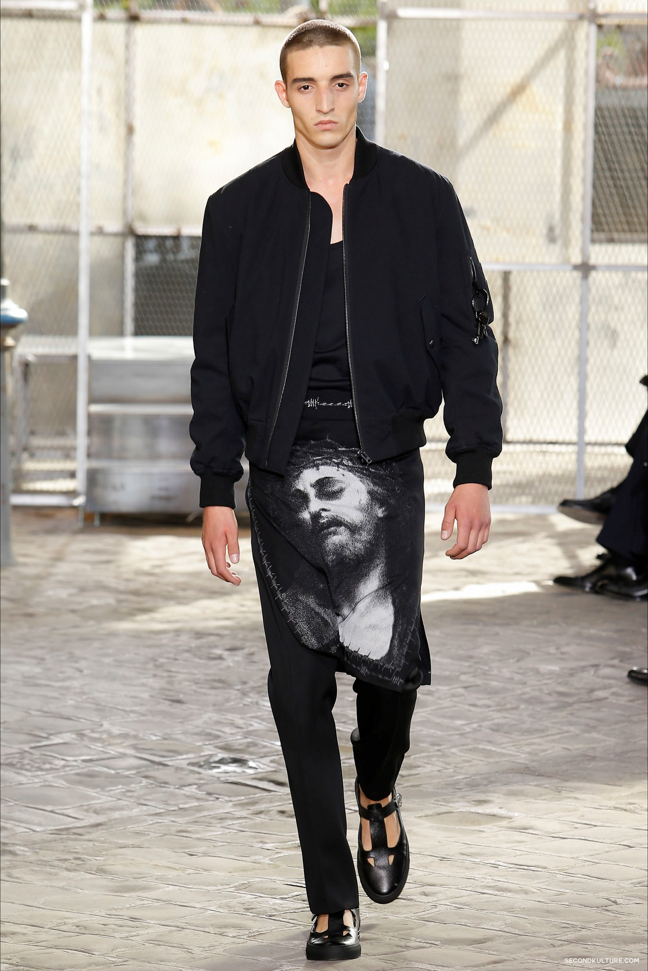 Givenchy Spring Summer 2016 Menswear Jesus Religion Chain Runway Show Look 6