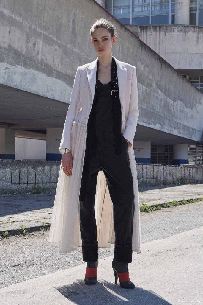 Givenchy Pre-Spring 2017 Womenswear - Look 17