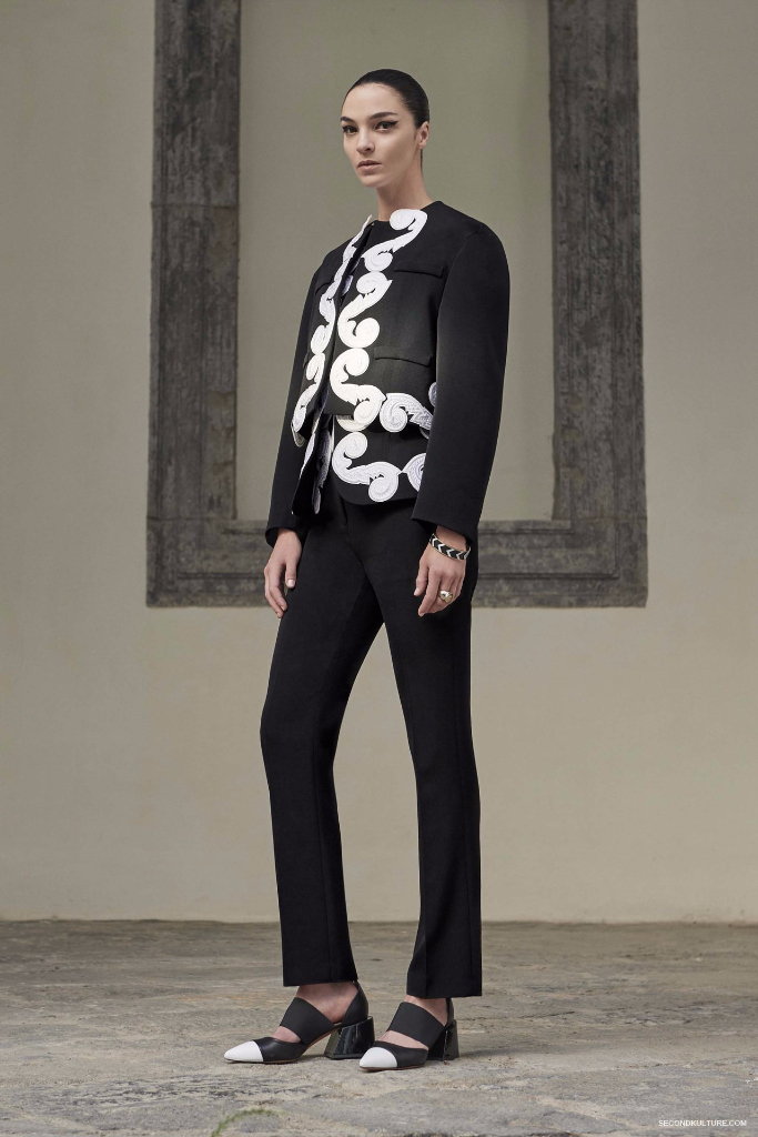 Givenchy Pre-Spring 2017 Womenswear - Look 22