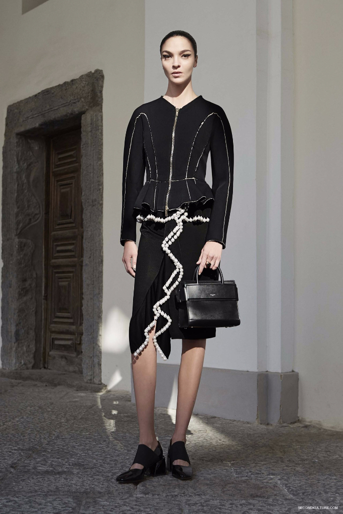 Givenchy Pre-Spring 2017 Womenswear - Look 3